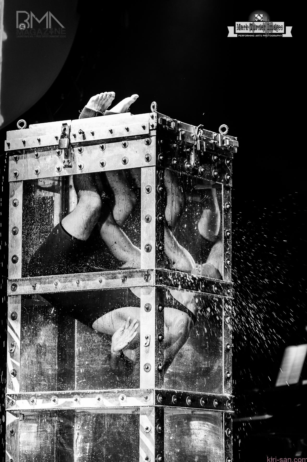ILLUSIONISTS_Escapologist_photo 1
