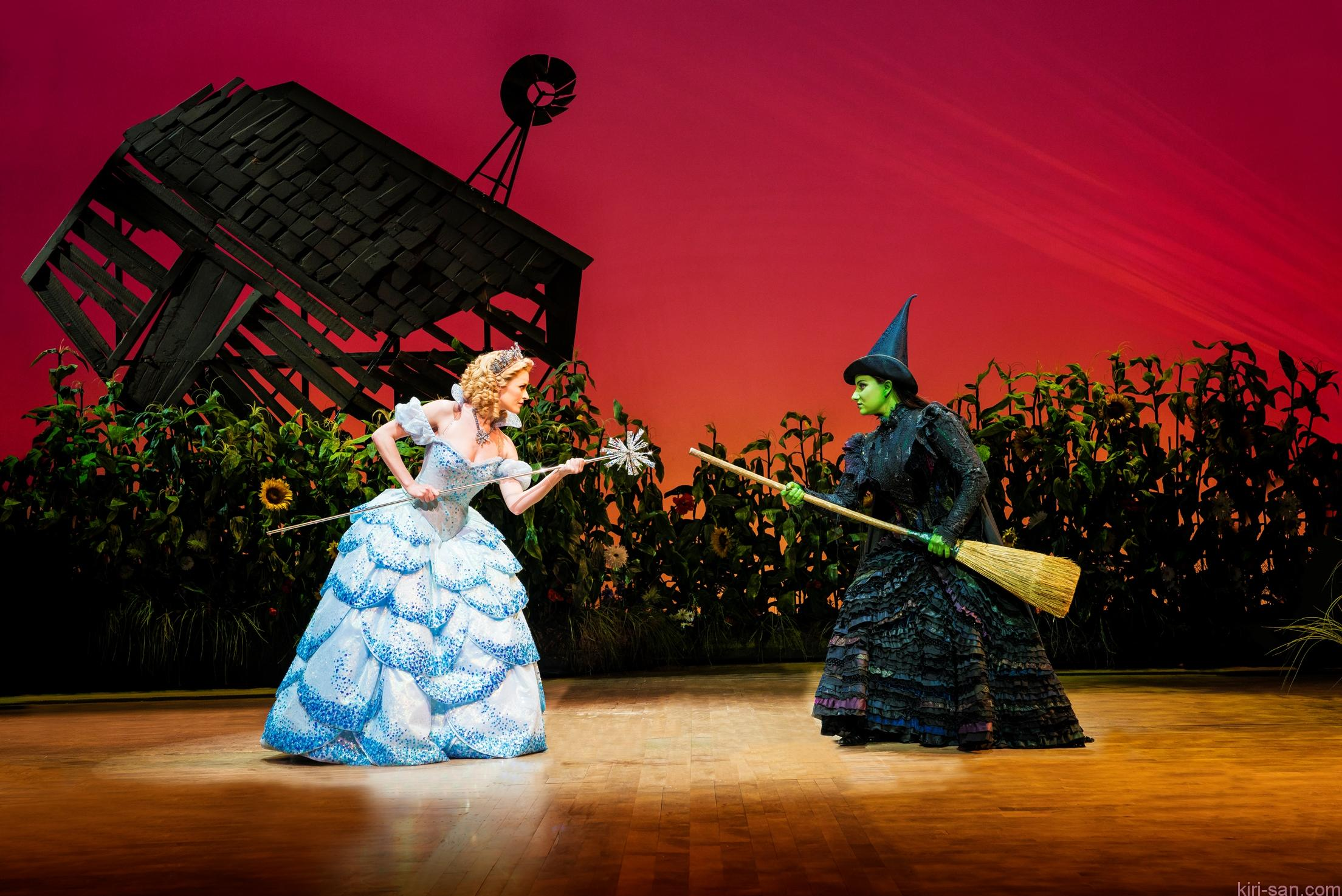 wicked-uk-international-tour_carly-anderson-and-jacqueline-hughes_photo-2