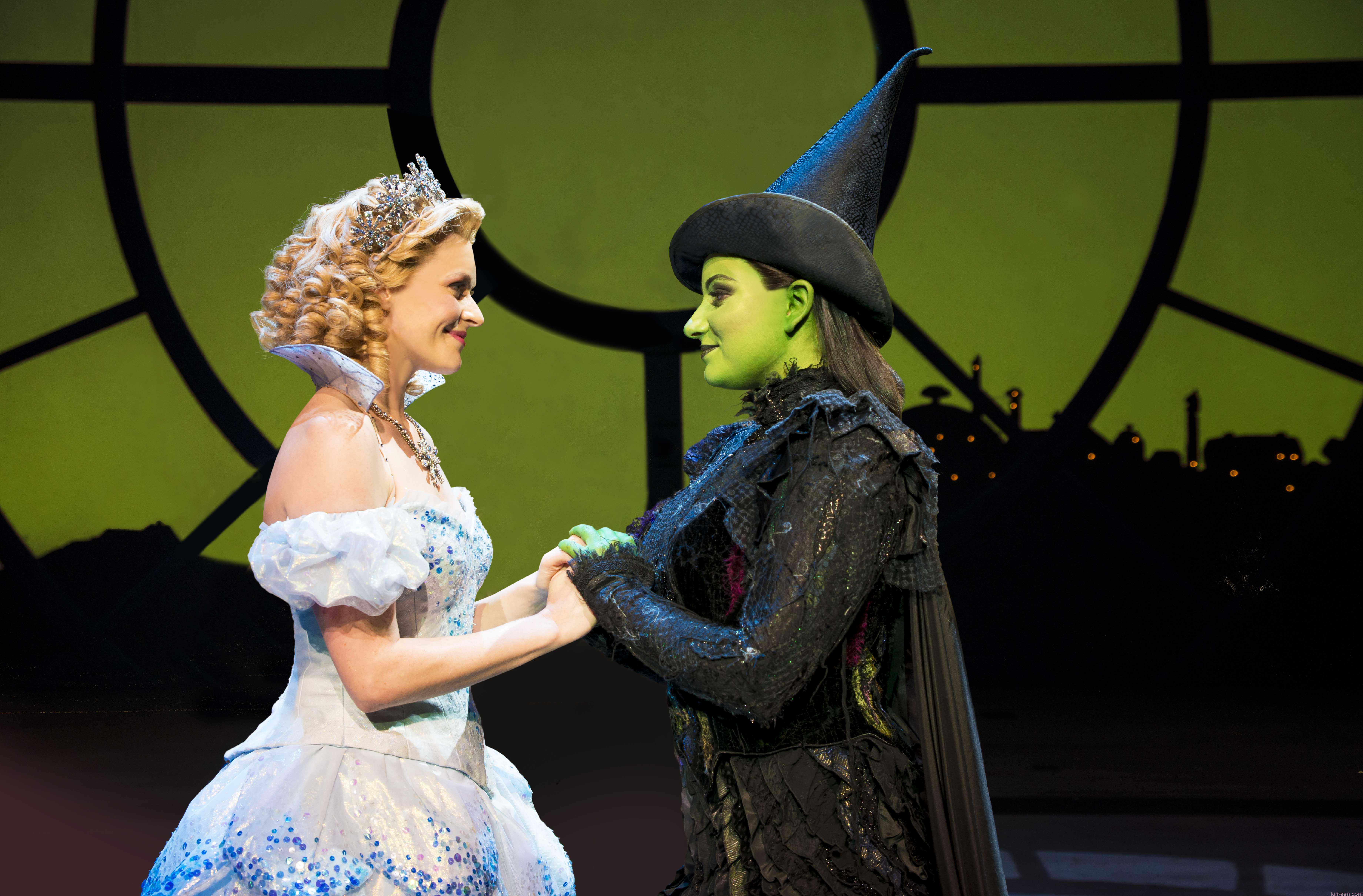 wicked-uk-international-tour_carly-anderson-and-jacqueline-hughes_photo